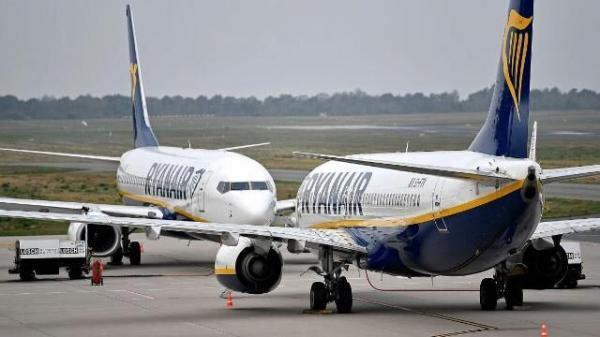 بلومبرگ: آمریکا سفرهای هوایی به بلاروس را محدود می نماید